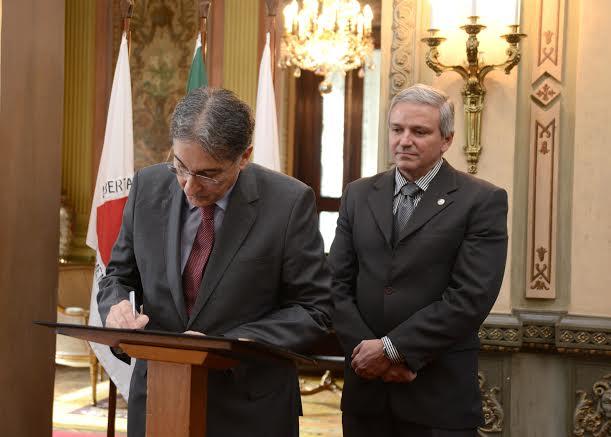 Governador Fernando Pimentel assina a posse do novo chefe da Polícia Civil e do Conselho.22-08-2016- Palácio da Liberdade.Foto: Manoel Marques/imprensa-MG