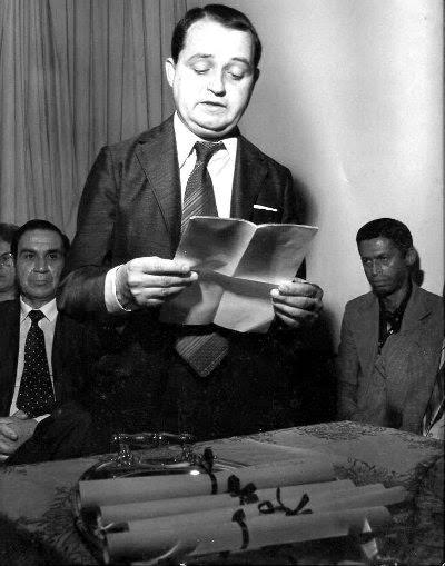 Cyro de Luna Dias Jr., primeiro presidente da Academia de Letras, em 1985,  na cerimônia de fundação da Entidade. (Foto: Reprodução)