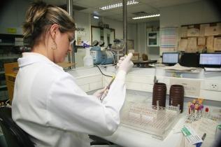 laboratorio de Imunohematologia HBH- Fotos Adair Gomez_ IMG (2)