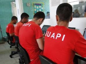 presos estudando (2)